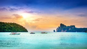 Phi phi νησί και ωκεανός στην Ταϊλάνδη Στοκ Εικόνες