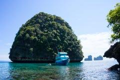 phi τοπίων νησιών βαρκών μαγική ανατολή ταϊλανδική Ταϊλάνδη Στοκ εικόνα με δικαίωμα ελεύθερης χρήσης