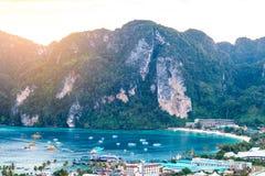 Phi Дон Phi Koh залива точки зрения в море andaman, островах k Phi Phi Стоковые Фотографии RF