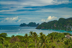 Phi Дон Phi Koh точки зрения в море andaman, Пхукете, Krabi, к югу от Таиланда Стоковое Изображение RF