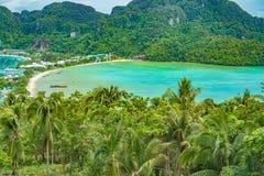 Phi Дон Phi Koh точки зрения в море andaman, Пхукете, Krabi, к югу от Таиланда Стоковые Изображения