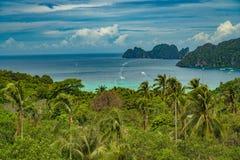 Phi Дон Phi Koh точки зрения в море andaman, Пхукете, Krabi, к югу от Таиланда Стоковое Фото