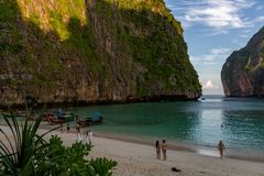 Phi de Maya Bay Sunrise Koh Phi imagens de stock royalty free