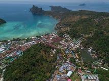 Phi Phi Don Tropical Island flyg- sikt royaltyfria foton