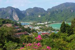 Phi Phi Island Amazing View Point van hierboven, Thailand stock foto