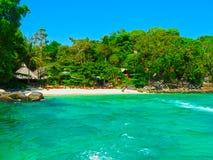 Phi Islands, Thailand - Februari 04, 2010: De strandhuizen in Viking Resort Stock Foto's