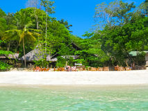 Phi Islands, Thailand - Februari 04, 2010: De strandhuizen in Viking Resort Stock Foto