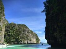 Phi Ley Bay, isola di Phi Phi, Tailandia fotografia stock