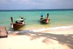 Phi Phi νησιά - η παραλία - Ταϊλάνδη Στοκ Φωτογραφίες