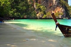 Phi Phi νησιά - η παραλία - Ταϊλάνδη Στοκ εικόνα με δικαίωμα ελεύθερης χρήσης
