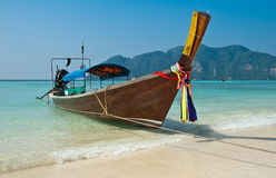 Phi-Phi del barco del taxi Imagenes de archivo