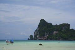 phi thailand för fartygkohlongtail Fotografering för Bildbyråer