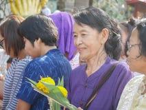 PHICHIT, TAILÂNDIA - 25 DE OUTUBRO DE 2018: Tak Bat Devo Rohana é o F foto de stock royalty free