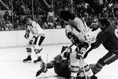 Phil Esposito e Derek Sanderson Boston Bruins Imagem de Stock
