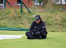 Phil Mickelson contemple son 9ème té de prochain projectile Photos libres de droits