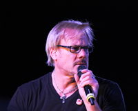 Phil Vassar, Lynchburg, Virginia.  Miller Home Benefit Concert bij Fase 2, April 2013 Royalty-vrije Stock Foto