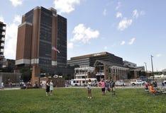 Philadelphfia, PA, o 3 de julho: Liberty Bell Center na celebração da cidade de Philadelphfia em Pensilvânia EUA Imagem de Stock