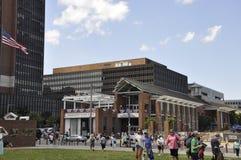 Philadelphfia, PA, o 3 de julho: Liberty Bell Center na celebração da cidade de Philadelphfia em Pensilvânia EUA Imagens de Stock