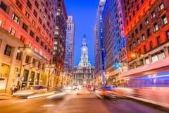 Philadelphfia, Pensilvânia, EUA na rua larga fotos de stock