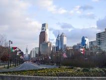 Philadelphia cityscape från Rocky Steps royaltyfri fotografi