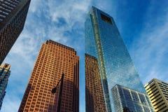 Philadelphia i stadens centrum skyskrapasikt med reflexioner i exponeringsglas Royaltyfri Bild