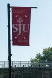 PHILADELPHIA, PA - 17 DE MAYO: Campus universitario del ` s de Saint Joseph el graduación día el 17 de mayo de 2014 Imagenes de archivo