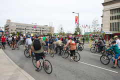 PHILADELPHIA, PA - SEPTEMBER 26: Crowds of people arrive on the Benjamin Franklin Parkway in Center City Philadelphia to Stock Images