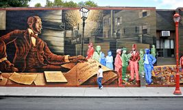 PHILADELPHIA, PA - 10. SEPTEMBER: Wandgemälde gemalt auf einer Wand auf Südstraße in Philadelphia, PA am 10. September 2011 Stockfotos