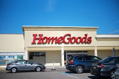 HomeGoods retail store exterior and sign. HomeGoods is a chain of home furnishing stores operated by TJX Companies. Easter decorat. Philadelphia, Pennsylvania Royalty Free Stock Image