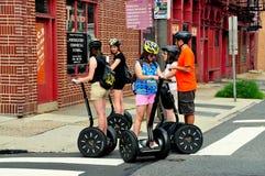 Philadelphie, PA : Les touristes Segues dessus Images libres de droits