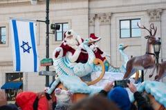 Philadelphie, PA - 23 novembre 2017 : Santa Claus au défilé annuel de jour de thanksgiving dans la ville centrale Philadelphie, P Image libre de droits