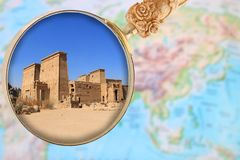 Philae świątynia przez powiększać - szkło Obraz Stock