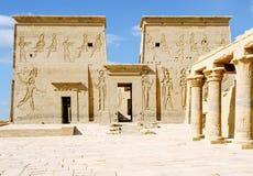 Philae tempel av Isis på den Agilkia ön i sjön Nasser Royaltyfri Foto