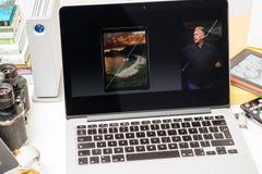 Philip Schiller από τη Apple που μιλά για το μέγεθος του iPad υπέρ Στοκ Φωτογραφίες