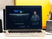 Philip Schiller przedstawia nowego OLED baru Fotografia Stock