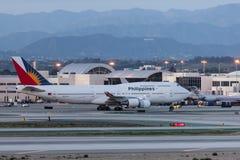 Philippine Airlines Boeing 747 flygplan på Los Angeles den internationella flygplatsen Royaltyfria Foton
