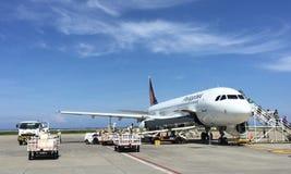 Philippine Airlines (VÄN) i den Laguindingan flygplatsen Royaltyfria Foton