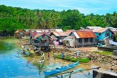 Philippinen-Fischerdorf stockfotos