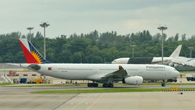 Philippines Airlines Airbus 330 taxiing at Changi Airport Stock Photos