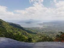 philippines taal vulkan royaltyfri bild