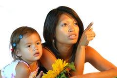 Philippinische Frau mit Kind stockbild