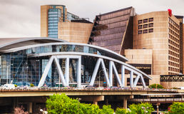 Philips Arena en CNN-Centrum in Atlanta royalty-vrije stock afbeelding