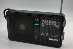 Philips transistor Radiorna var mycket stora och att inneh?lla tv? h?gtalare och en kassettspelare arkivfoton