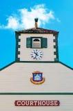 Philipsburg domstolsbyggnad, post- kontor, översikt, anslutning, pir, hamn, strand, kryssning, St Martin Royaltyfri Fotografi