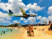 Philipsburg, Sint Maarten - 14 maggio 2016: La spiaggia a Maho Bay Fotografia Stock Libera da Diritti