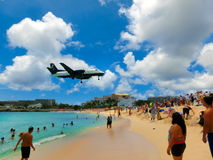 Philipsburg, Sint Maarten - 14 mai 2016 : La plage chez Maho Bay Images libres de droits