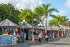 Philipsburg turist Market Place på Sint Maarten Arkivfoto