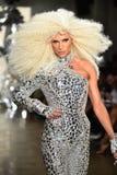 Phillipe Blond camina la pista en el desfile de moda de Blonds Imágenes de archivo libres de regalías