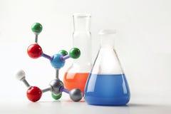 Phiolehexe Flüssigkeit und molekulare Kette Stockbilder