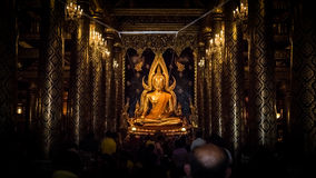 PHITSANULOK, THAÏLANDE - 6 DÉCEMBRE 2014 : Wat Phra Sri Rattana Ma Photo stock